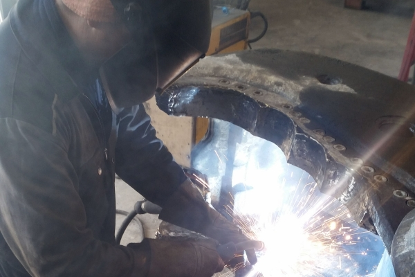 reparaturen-baggerintro-seite-4-1FD440964-CE11-77F5-D24E-19C517B180AC.jpg