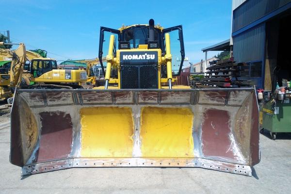 bulldozer-spez-intro-seite-2-4E78A94DF-755E-069F-B8A7-AA01B6B5556D.jpg